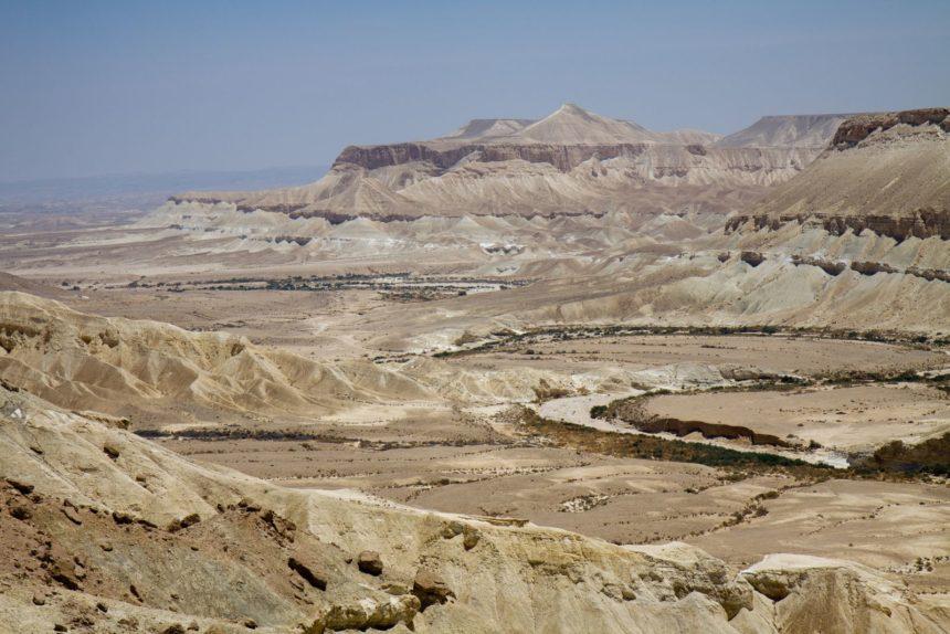 Trip to the negev desert – Zman Mekomi